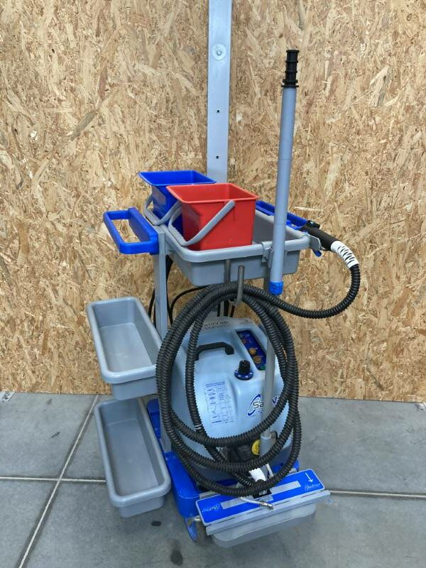 Nettoyeur désinfecteur vapeur norme AFNOR NFT72-110 marque SANIVAP modèle SV2900